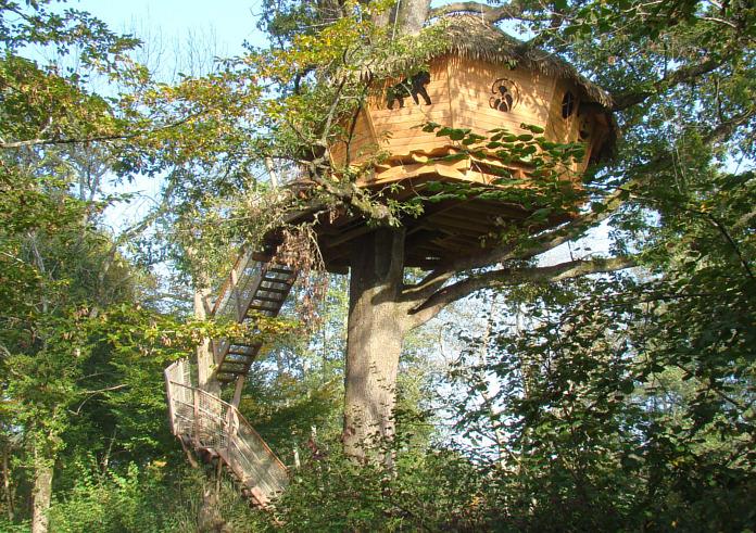 Baumhaushotel Cabane des Grands Lacs. Familienhaus.