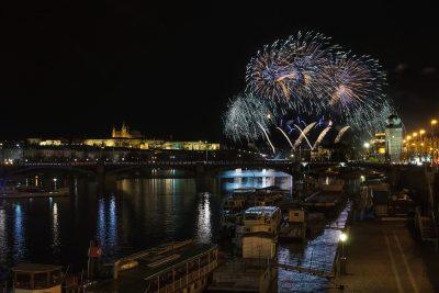 Silvester: Feuerwerk in Prag