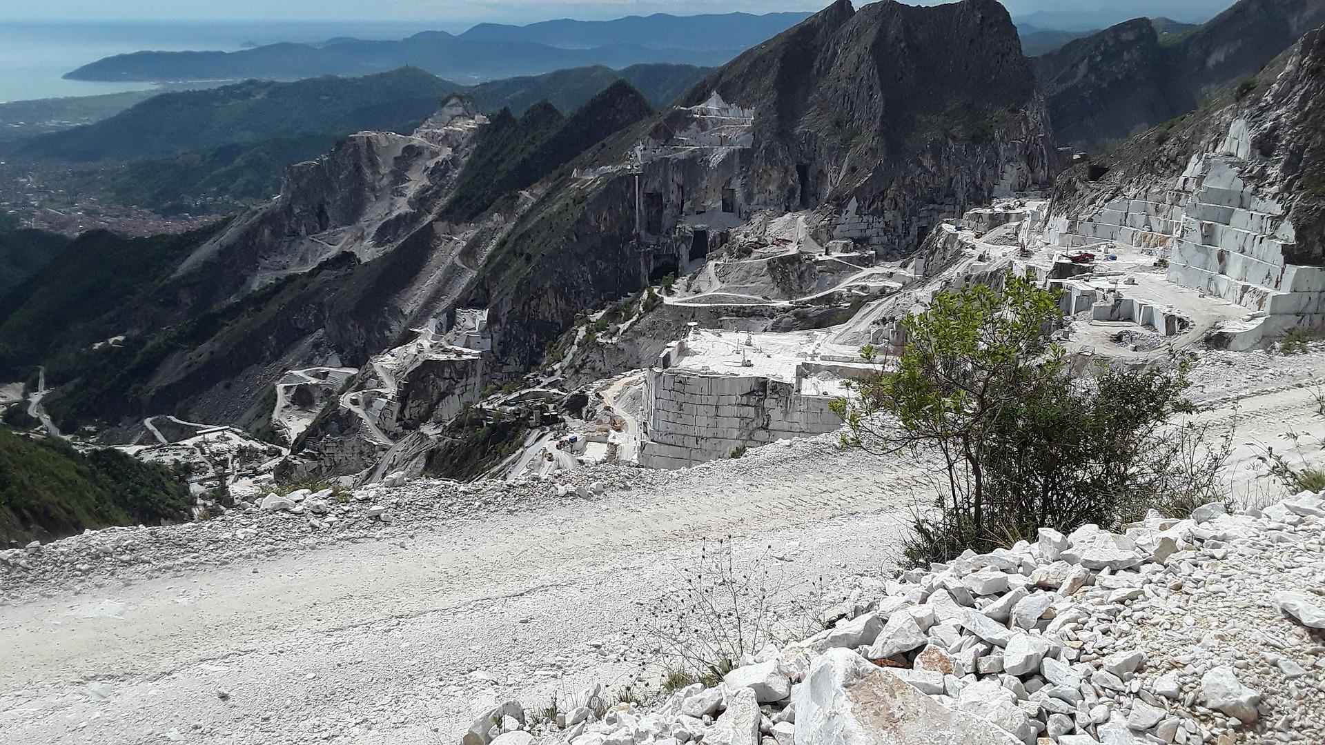Carrara-Steinbrüche, Toskana