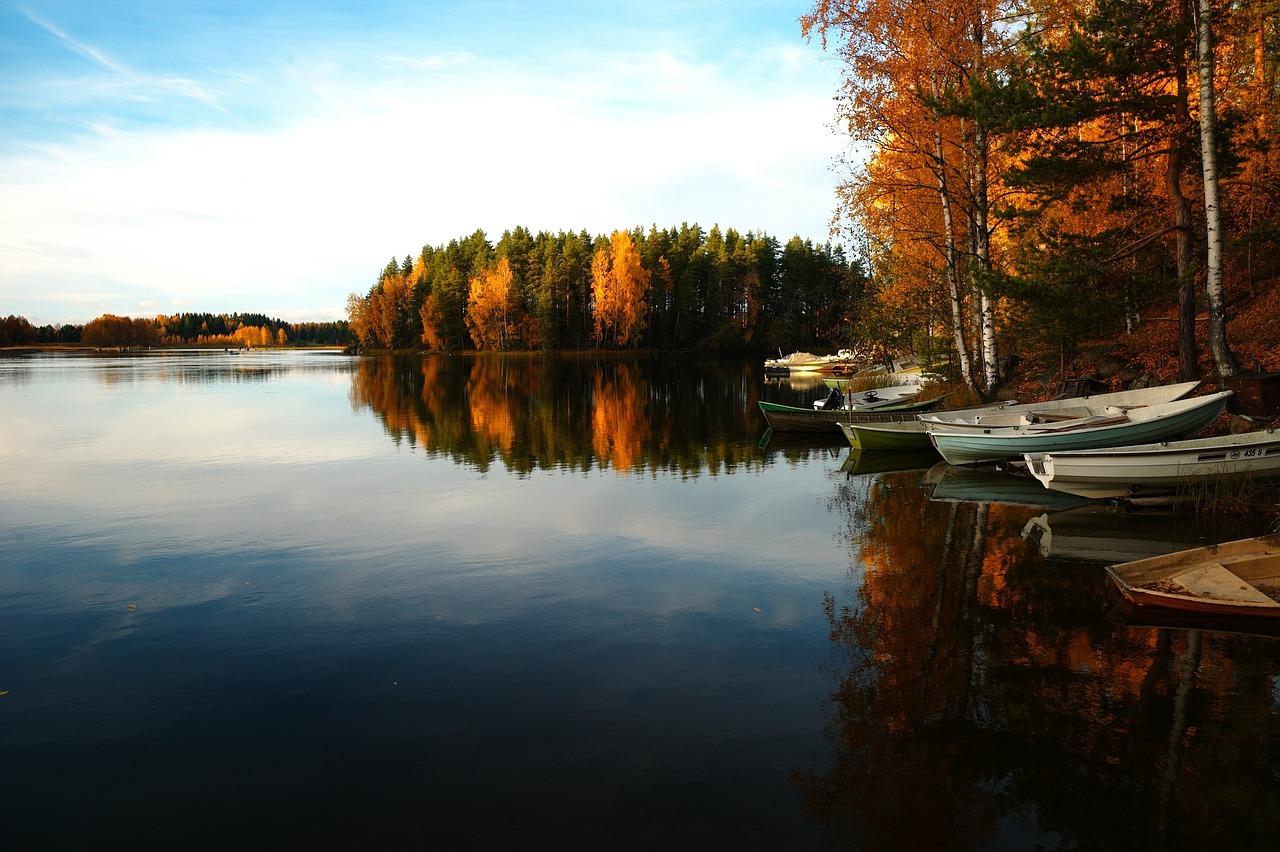 lake-690070_1280
